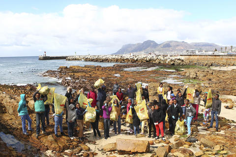 Ikamvanites participate in Annual Coastal Cleanup