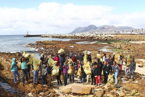 Ikamvanites participate in Annual Coastal Cleanup